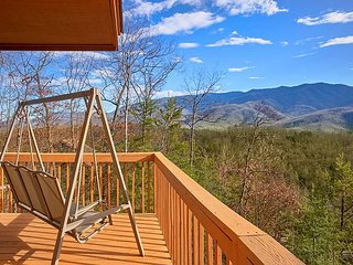 Romantic 1 Bedroom with Beautiful Views - Quiet yet Convenient, Gatlinburg