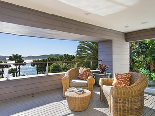 ***BEACHFRONT LUXURY***Palm Beach Holiday Rentals