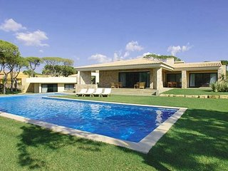 5 bedroom Villa in Benfarras, Faro, Portugal : ref 5238970