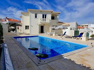 5 bedroom Villa in Galé, Faro, Portugal : ref 5238925