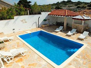 4 bedroom Villa in Brac Povlja, Central Dalmatia Islands, Croatia : ref 2235089, Selce