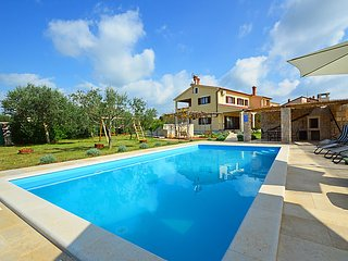 4 bedroom Villa in Pula Vodnjan, Istria, Croatia : ref 2235105