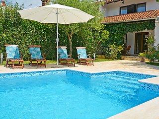 3 bedroom Villa in Rovinj, Istarska Zupanija, Croatia : ref 5061403
