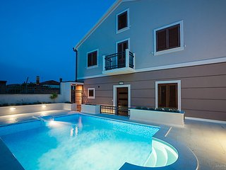 4 bedroom Villa in Ugljan Preko, North Dalmatia Islands, Croatia : ref 2236902