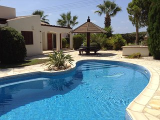 3 bdr bungalow Ellison in Coral Bay, Paphos