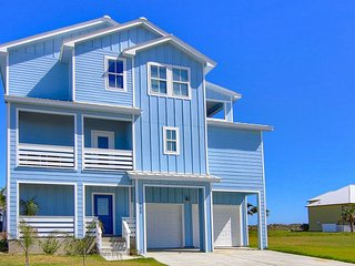 Brand New 5/ 4.5 Upscale home! Beach Access! Community Pool