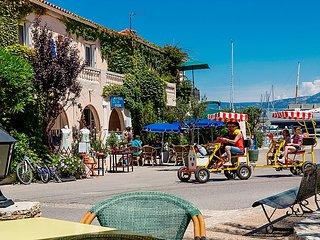 3 bedroom Apartment in Six Fours, Cote d'Azur, France : ref 2242763, Ile des Embiez