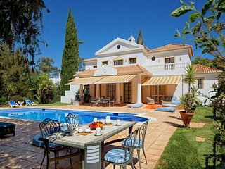 5 bedroom Villa in Alvor, Algarve, Portugal : ref 2249180, Figueira