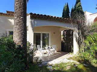 3 bedroom Villa in Cavalaire, Cote D Azur, France : ref 2250641, Cavalaire-Sur-Mer