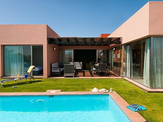 2 bedroom Villa in Maspalomas, Gran Canaria, Canary Islands : ref 2252995, Patalavaca