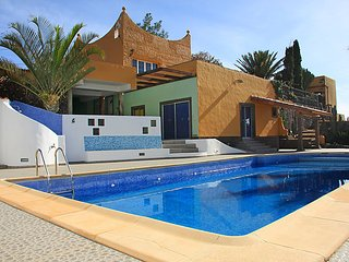 4 bedroom Villa in Ingenio, Gran Canaria, Canary Islands : ref 2253001, Agüimes