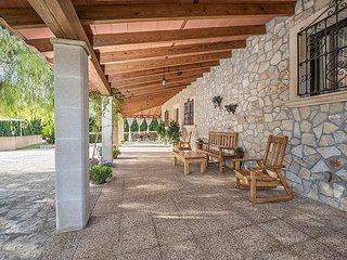 4 bedroom Villa in Lloseta, Mallorca, Mallorca : ref 2253056