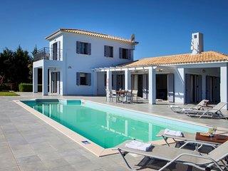 2 bedroom Villa in Megalipetra, Kefalonia, Greece : ref 2259526, Svoronata