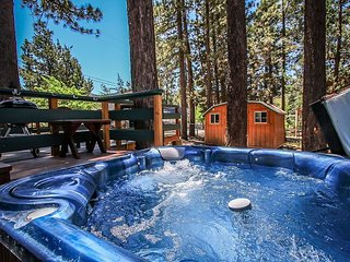 GREAT VALUE!  Close to Ski Slopes!  GOLF COURSE steps away.  Cute! Hot Tub!
