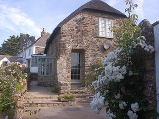 Glenacres - luxury dorset coastal cottage., Chideock