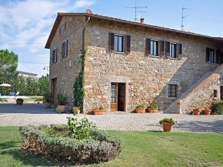 4 bedroom Villa in San Quirico D'orcia, Tuscany, Italy : ref 2266108