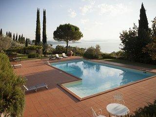 3 bedroom Villa in Passignano sul Trasimeno, Umbria, Italy : ref 5477169