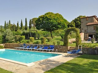 4 bedroom Villa in Cortona, Tuscany, Italy : ref 2266112