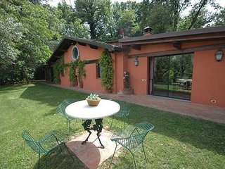 2 bedroom Apartment in Arliano, Tuscany, Italy : ref 2266138