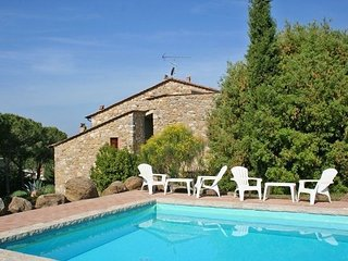 4 bedroom Villa in Volterra, Tuscany, Italy : ref 2266228