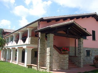 5 bedroom Villa in Gubbio, Umbria, Italy : ref 2266242