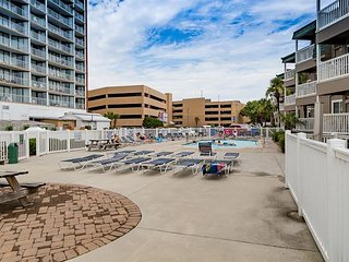 Completely Remodeled!!! -2 Bedroom, 2 Bath  A Place at the Beach I Unit  #RD2