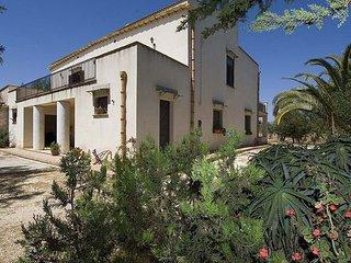 4 bedroom Villa in Sciacca, Sicily, Italy : ref 5477076