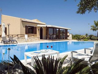 3 bedroom Villa in Custonaci, Sicily, Italy : ref 5477661