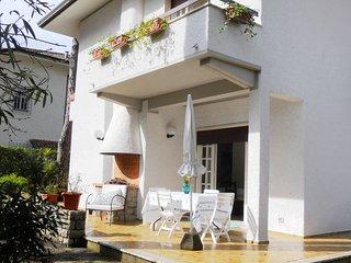 4 bedroom Villa in Pietrasanta, Tuscany, Italy : ref 2269930