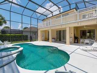 FREE POOL HEAT: 5 bedrooms, 4.5 bathrooms home in Calabay Park
