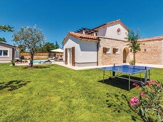 4 bedroom Villa in Vodnjan-Sv.Kirin, Vodnjan, Croatia : ref 2277180, Jursici