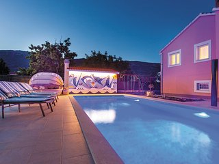5 bedroom Villa in Trogir-Kastel Luksic, Trogir, Croatia : ref 2277704