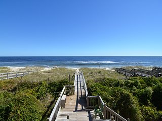 LITTLE HOUSE ON THE BEACH 4 BEDROOM HOME, Kure Beach
