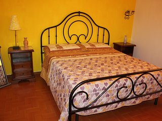 Private Room between Pisa and Lucca, San Giuliano Terme