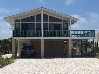$175/nt thru 9/2. The Pearl: 3br/2ba beach house w/Sound views; Pet Friendly!, Pensacola Beach