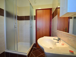 5 bedroom Apartment in Pula, Istria, Croatia : ref 2285201, Loborika