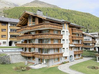 2 bedroom Apartment in Saas Fee, Valais, Switzerland : ref 2285483, Saas-Fee