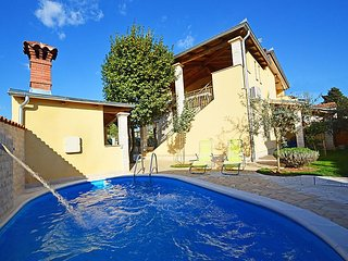 5 bedroom Villa in Pula Vodnjan, Istria, Croatia : ref 2285954