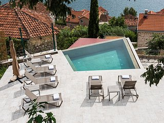 Monte Bay Retreat, Perast