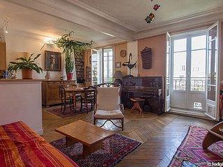 Paris Centre. 3/4 pièces. 70m2. balcon