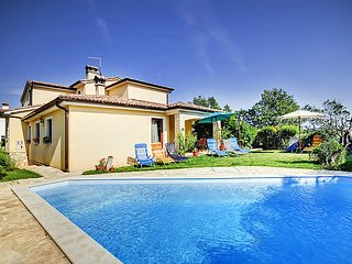 5 bedroom Villa in Medulin Liznjan, Istria, Croatia : ref 2295151