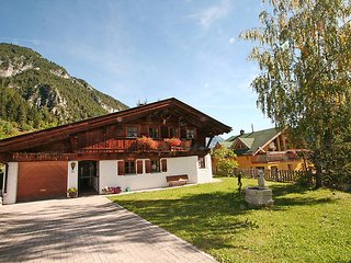 3 bedroom Villa in Pettneu am Arlberg, Arlberg mountain, Austria : ref 2295742