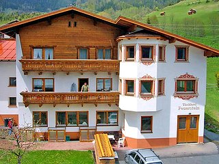 4 bedroom Apartment in Pettneu am Arlberg, Arlberg mountain, Austria : ref 2295743