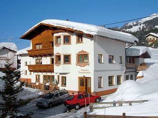 4 bedroom Apartment in Pettneu am Arlberg, Arlberg mountain, Austria : ref