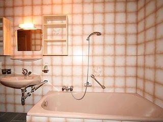 4 bedroom Apartment in Pettneu am Arlberg, Arlberg mountain, Austria : ref 2295743