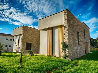 4 bedroom Villa in Novigrad (Istra), Istria, Croatia : ref 2298610, Fiorini