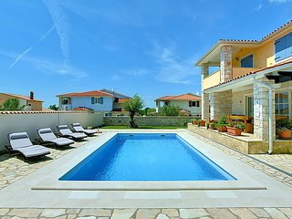 4 bedroom Villa in Mednjan, Istarska Zupanija, Croatia : ref 5033937