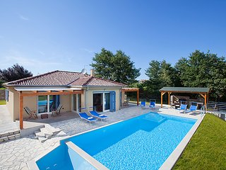 3 bedroom Villa in Groznjan, Istria, Croatia : ref 2299223