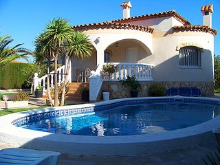3 bedroom Villa in Miami Platja, Costa Daurada, Spain : ref 2299358