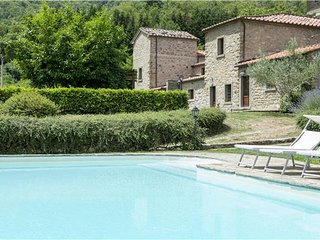 6 bedroom Villa in Cortona, Tuscany, Italy : ref 2302228